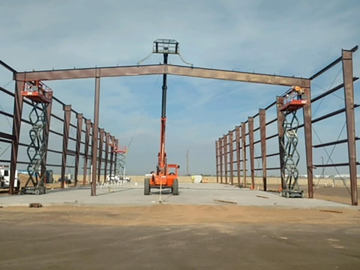 building process of a Clear Span structure